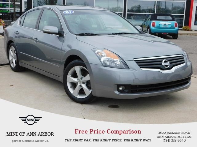 Pre-Owned 2007 Nissan Altima 3.5 SE