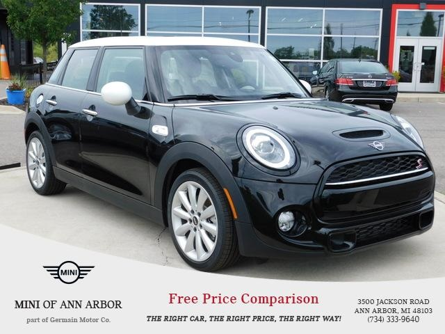 New 2019 MINI Hardtop 4 Door Base Signature