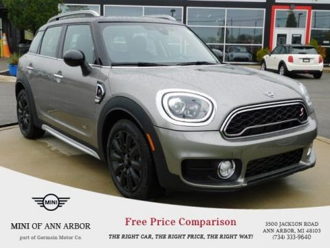 New 2019 MINI Countryman Base Signature